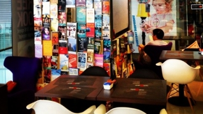 Epilogue Cafe @ Orchard Central – Bookworms' Urban Retreat