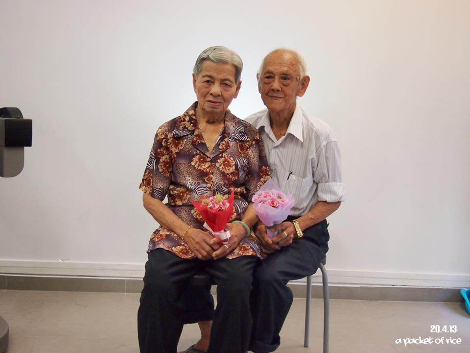 AspirantSG - Romantic Old Couple