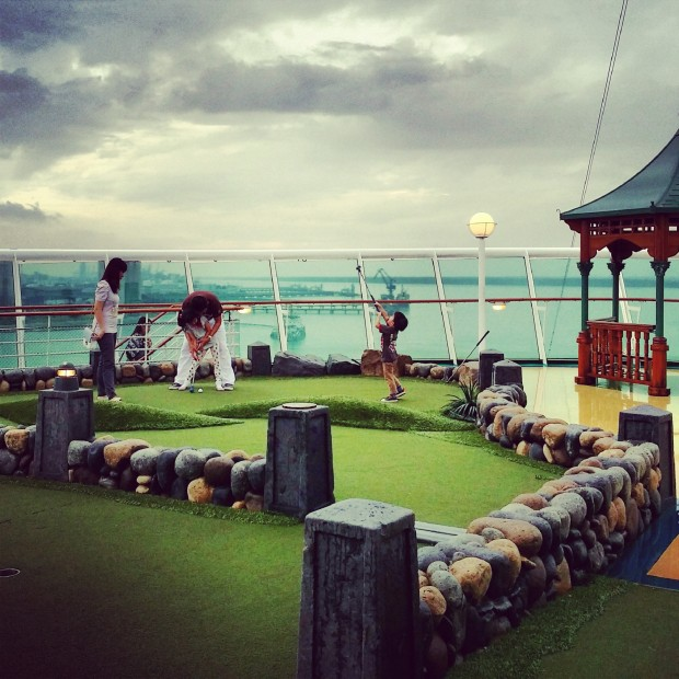 Royal Caribbean Mariner Of The Seas Mini Golf