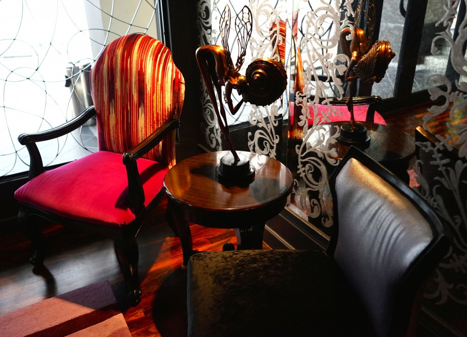 Reading Chairs Scarlet Hotel Singapore - AspirantSG