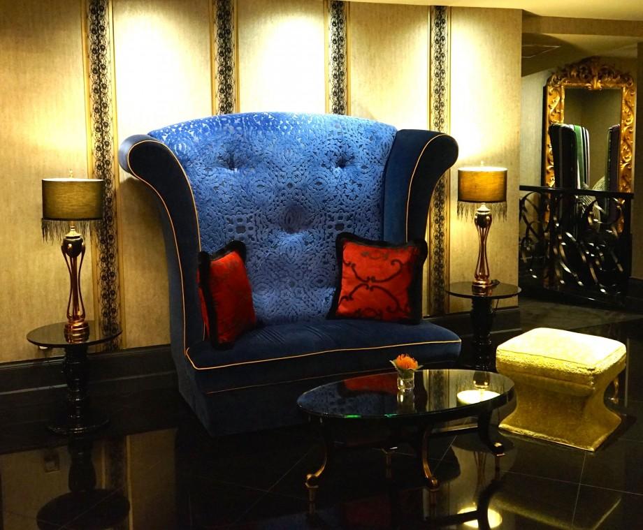 Giant Armchair Scarlet Hotel Singapore - AspirantSG