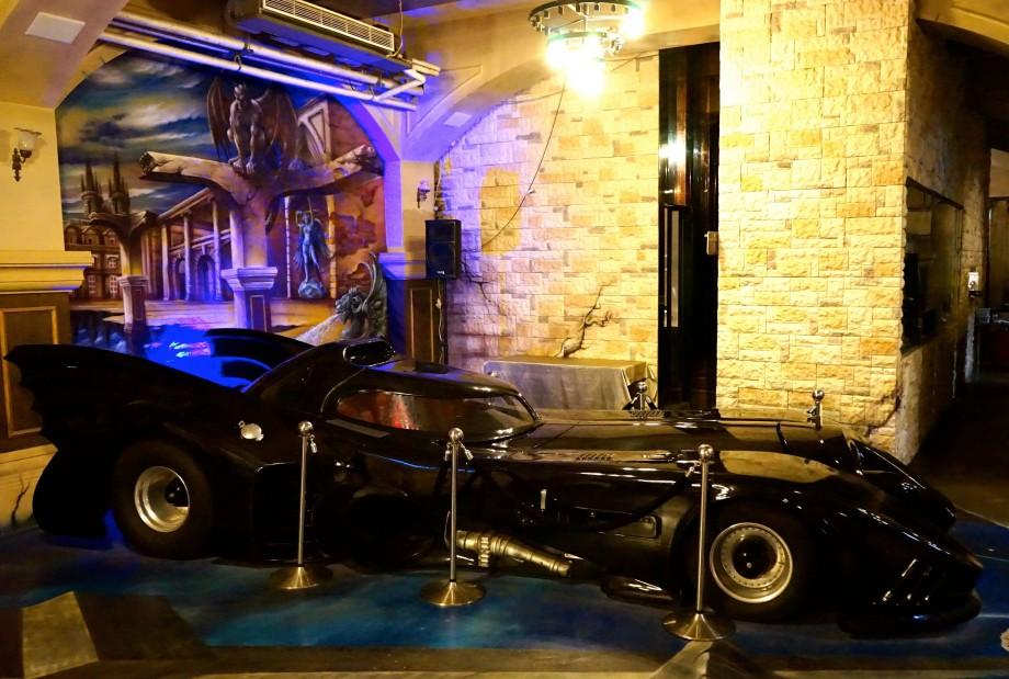 Batman vehicle Deja Vu Restaurant Taipei Taiwan - AspirantSG