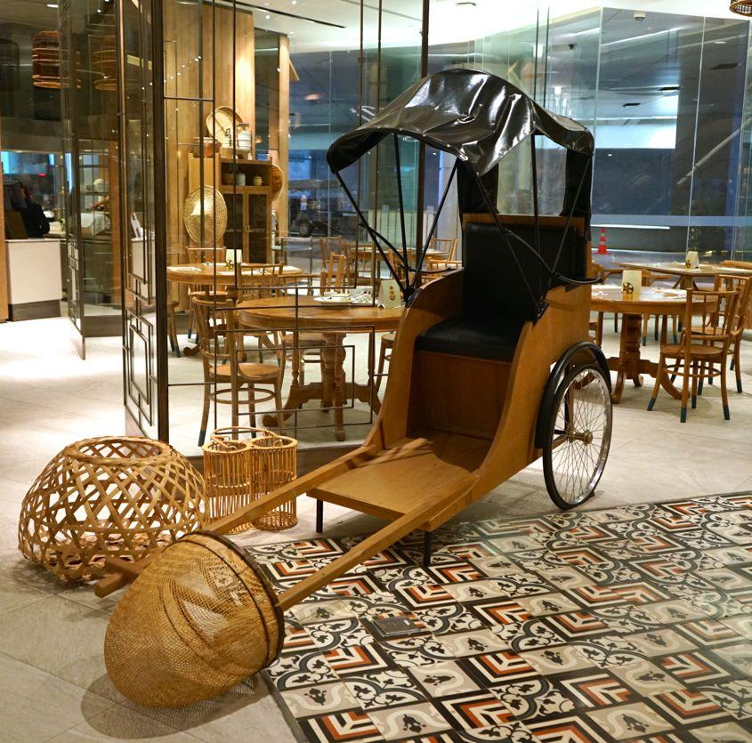 Traditional Rickshaw Decor At Eathai Central Embassy - AspirantSG