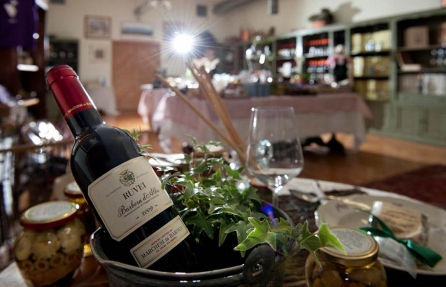 Borolo Winery Italy - AspirantSG