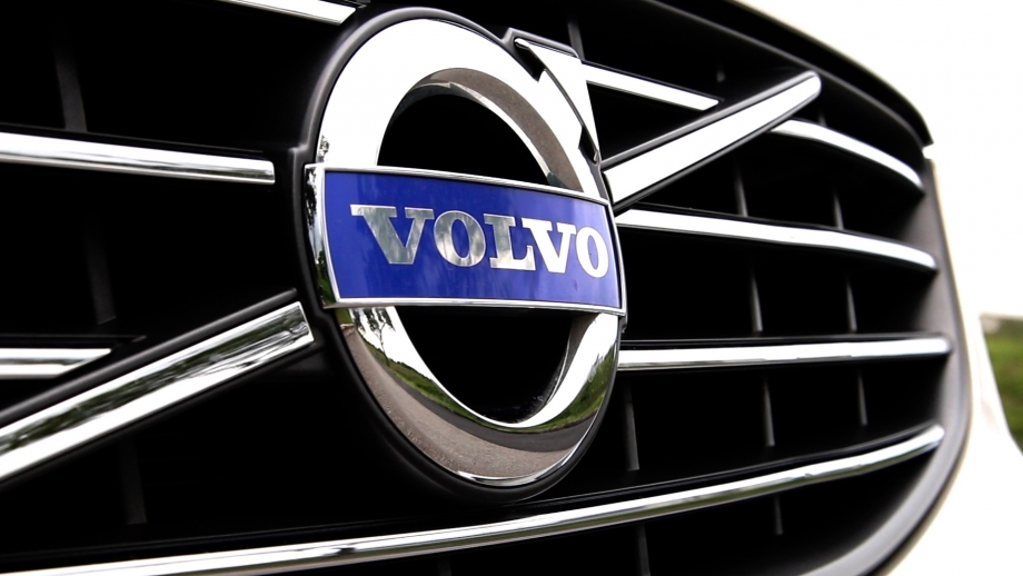 VOLVO REVIEW FULL 2