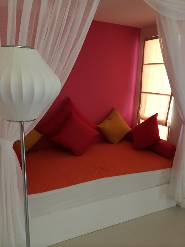 Vilureef Beach Resort Couch - AspirantSG