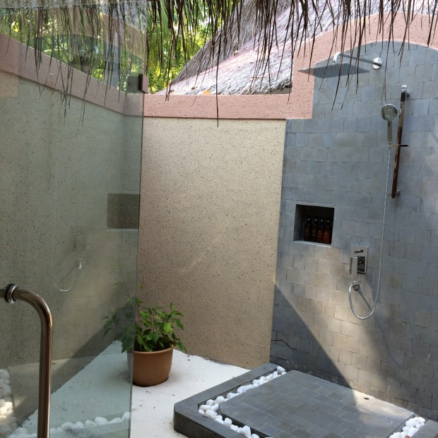 Vilu Reef Resort Shower Options - AspirantSG