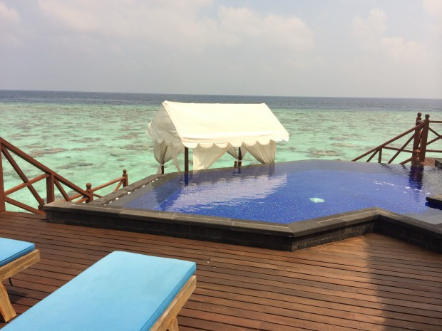 Vilu Reef Resort Private Jacuzzi - AspirantSG