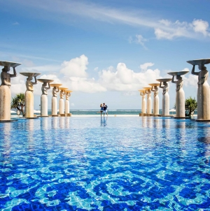 Top 10 Beach Resorts For Best Luxury Stay in Bali, Indonesia