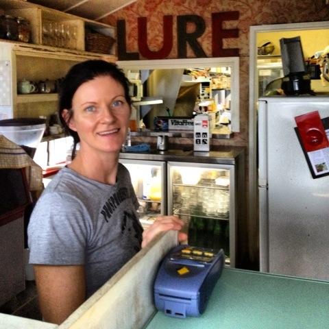 Friendly Waitress Australia - AspirantSG