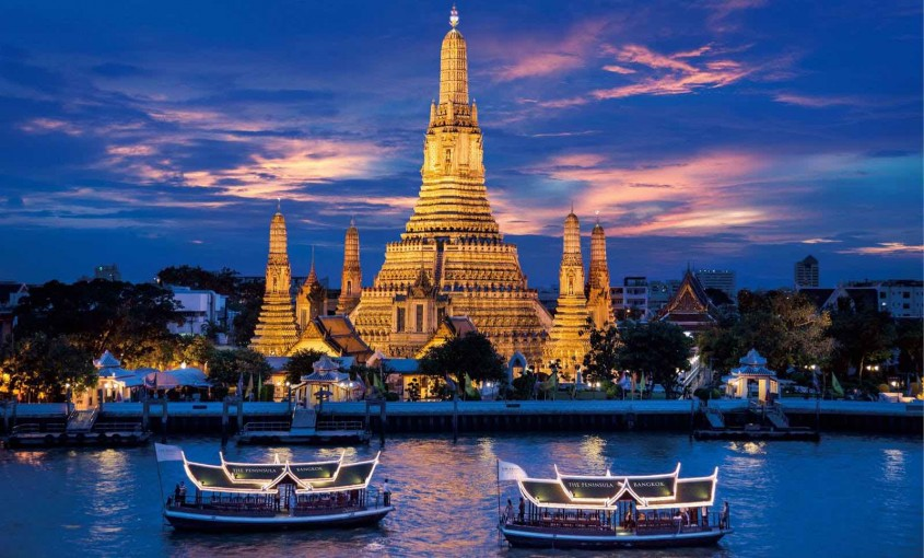 Wat Arun (The Temple of Dawn) & Chao Phraya River - AspirantSG