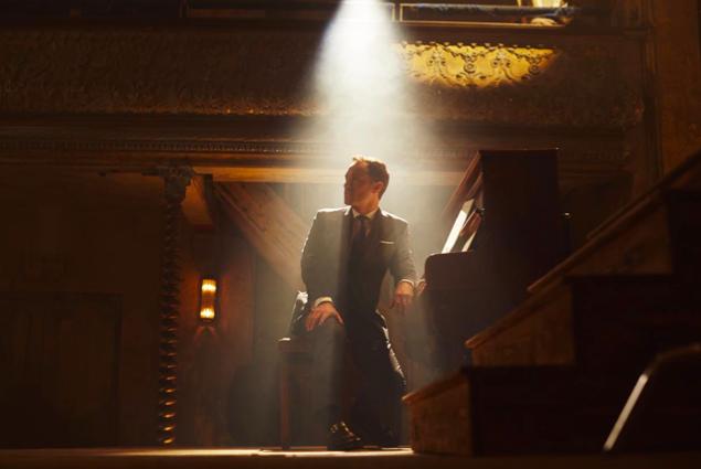 Jude Law Performance In The Gentlemen's Wager - AspirantSG