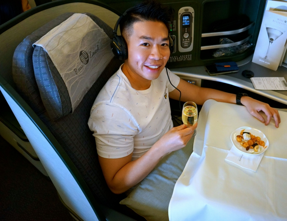 Dining On EVA Air Royal Laurel Class - AspirantSG