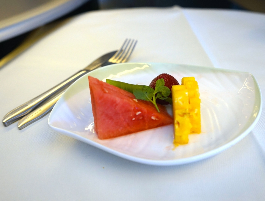 Fruits Served On EVA Air Royal Laurel Class - AspirantSG