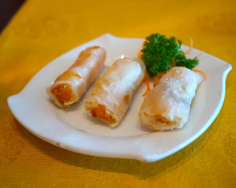 Deep Fried Banana and Fresh Prawn Wafer Roll - AspirantSG