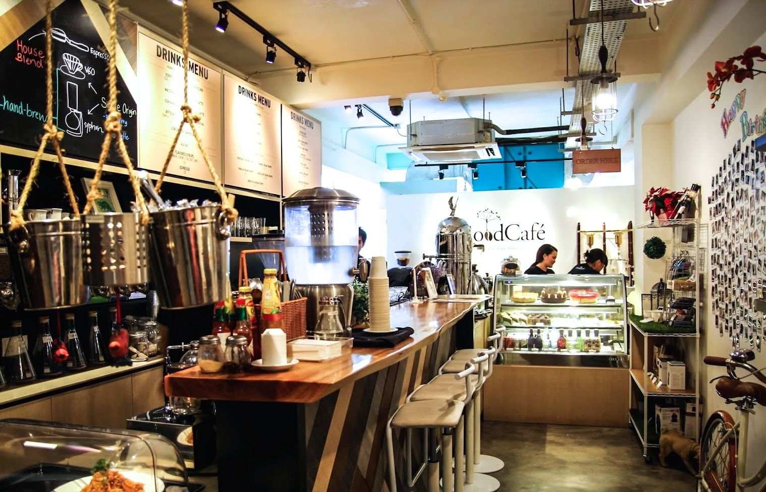 nice cafes in singapore