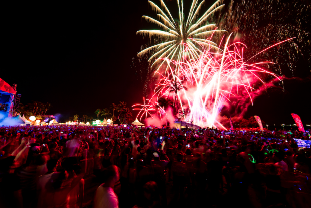 Fireworks At ZoukOut 2015 and Pre-Parties In Singapore - AspirantSG