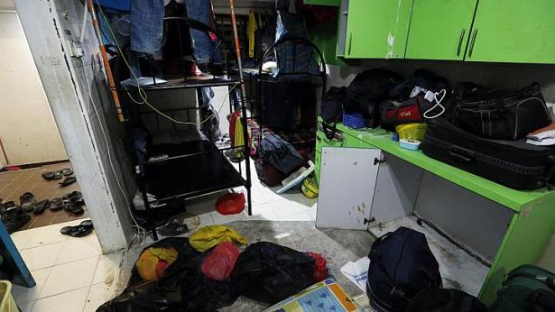 Horrible Living Conditions At Workers Dorm - AspirantSG