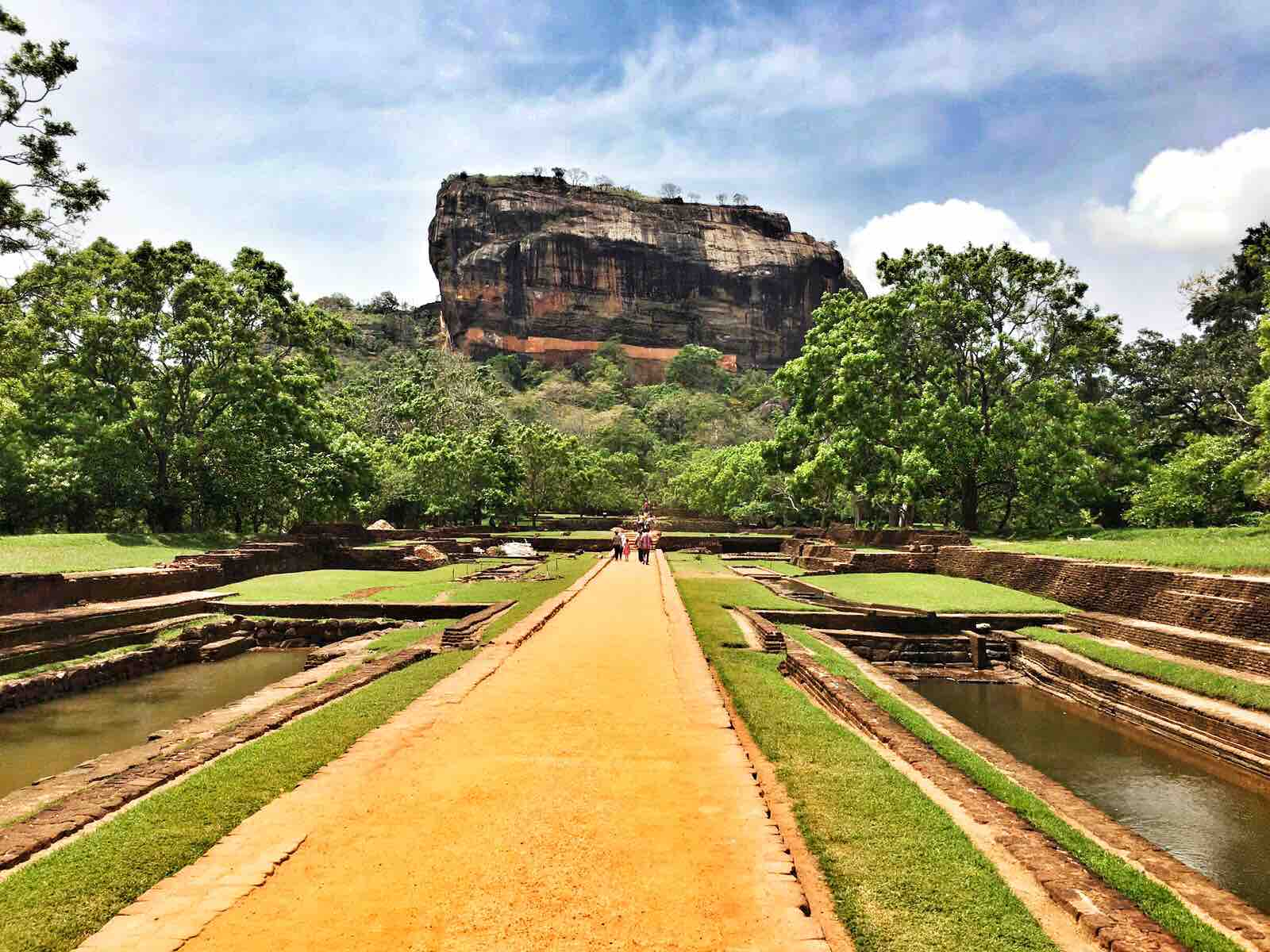 Two do it yourself sri lanka walking tours to explore natures for more information on cool attractions and other things to do around ozo hotels check out the ozo destination guides at solutioingenieria Choice Image
