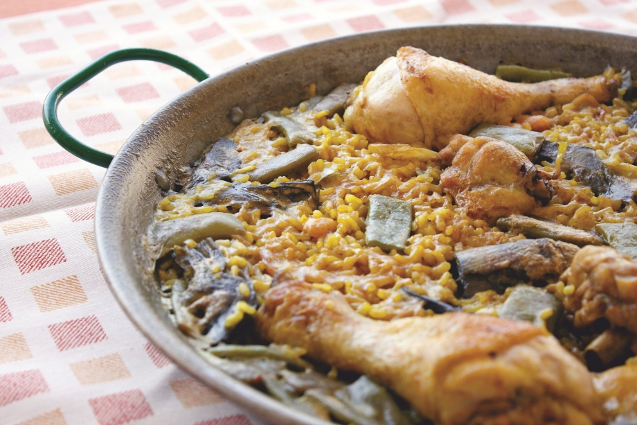 Tuck In To Piping Hot Paella Spain - AspirantSG