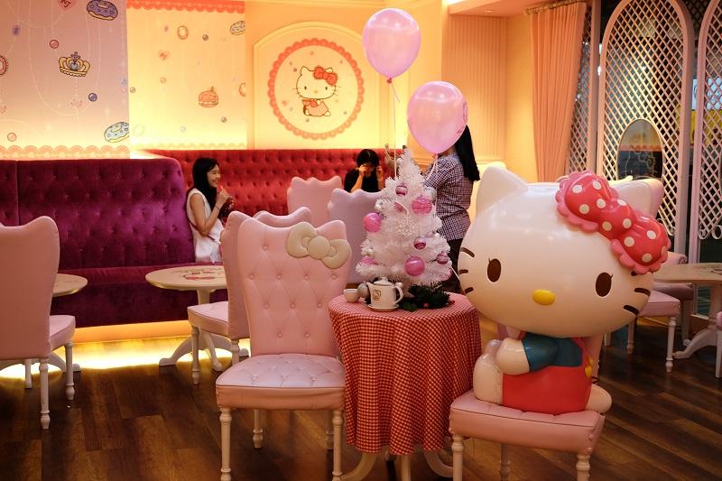 Hello Kitty Café Bangkok - AspirantSG