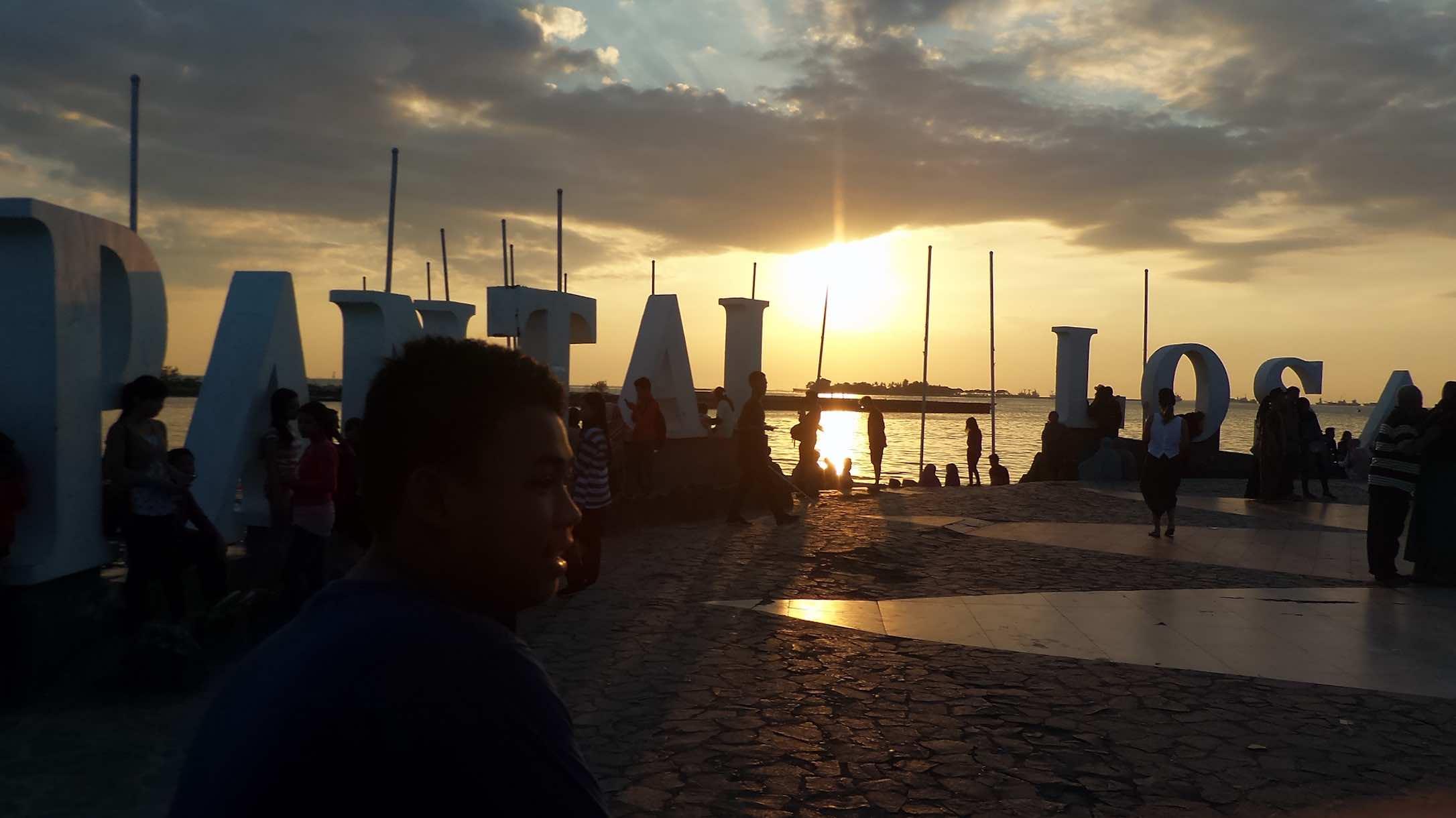 Pantai Losari Indonesia - AspirantSG