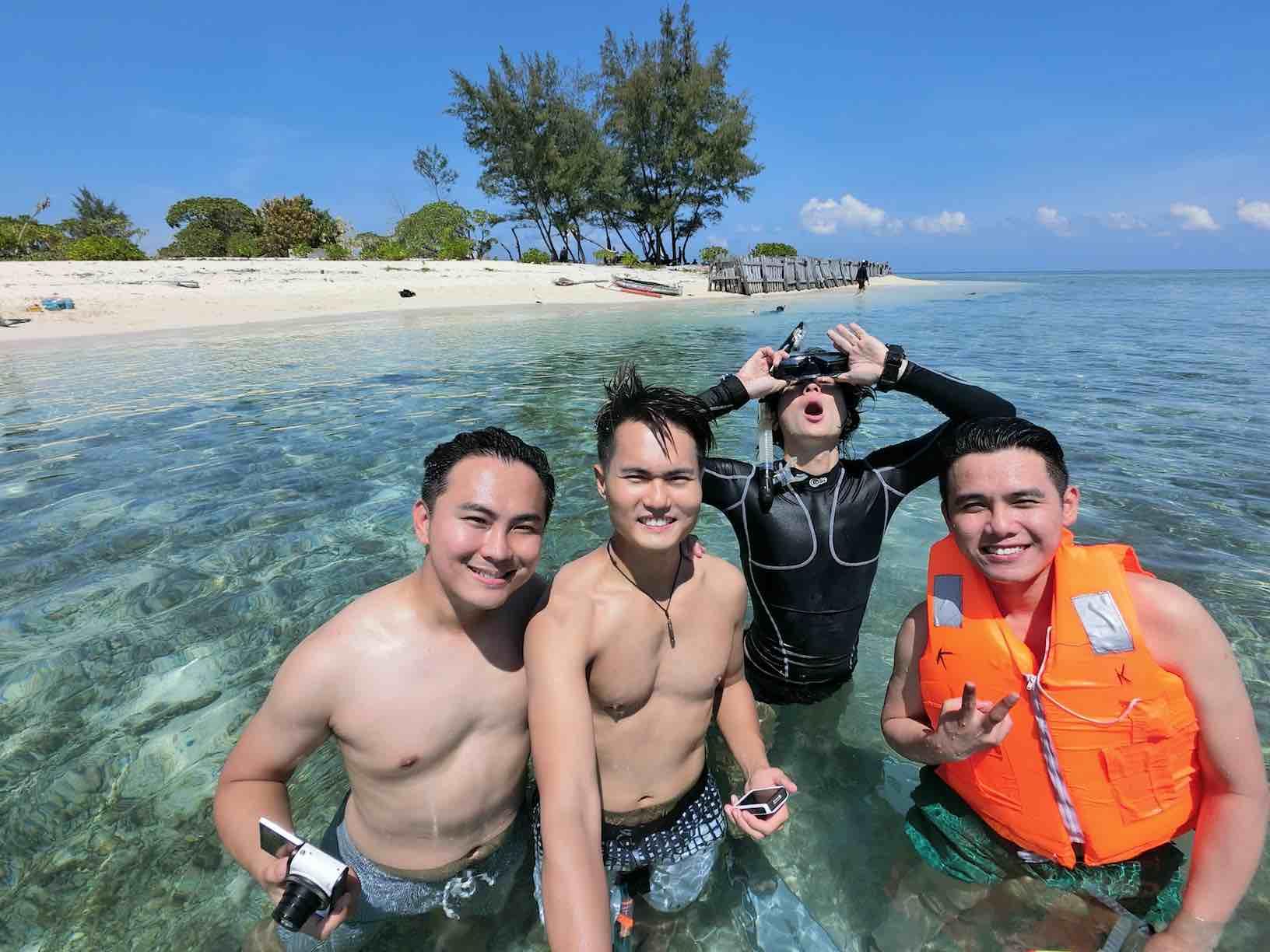 Snorkelling at Kodingareng Keke Island - AspirantSG
