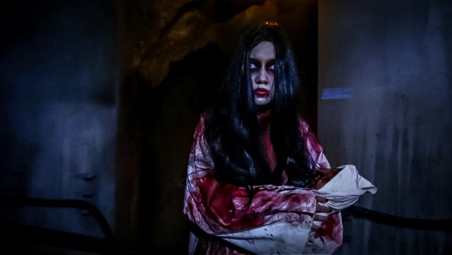 Pontianak in Halloween Horror Nights 5 - AspirantSG