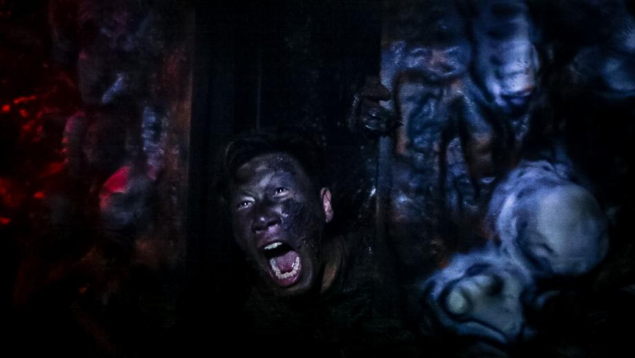 Dark House Halloween Horror Nights 5 - AspirantSG
