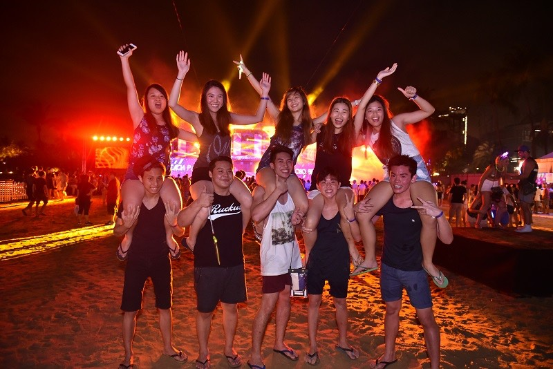 siloso-beach-party-rocks-aspirantsg