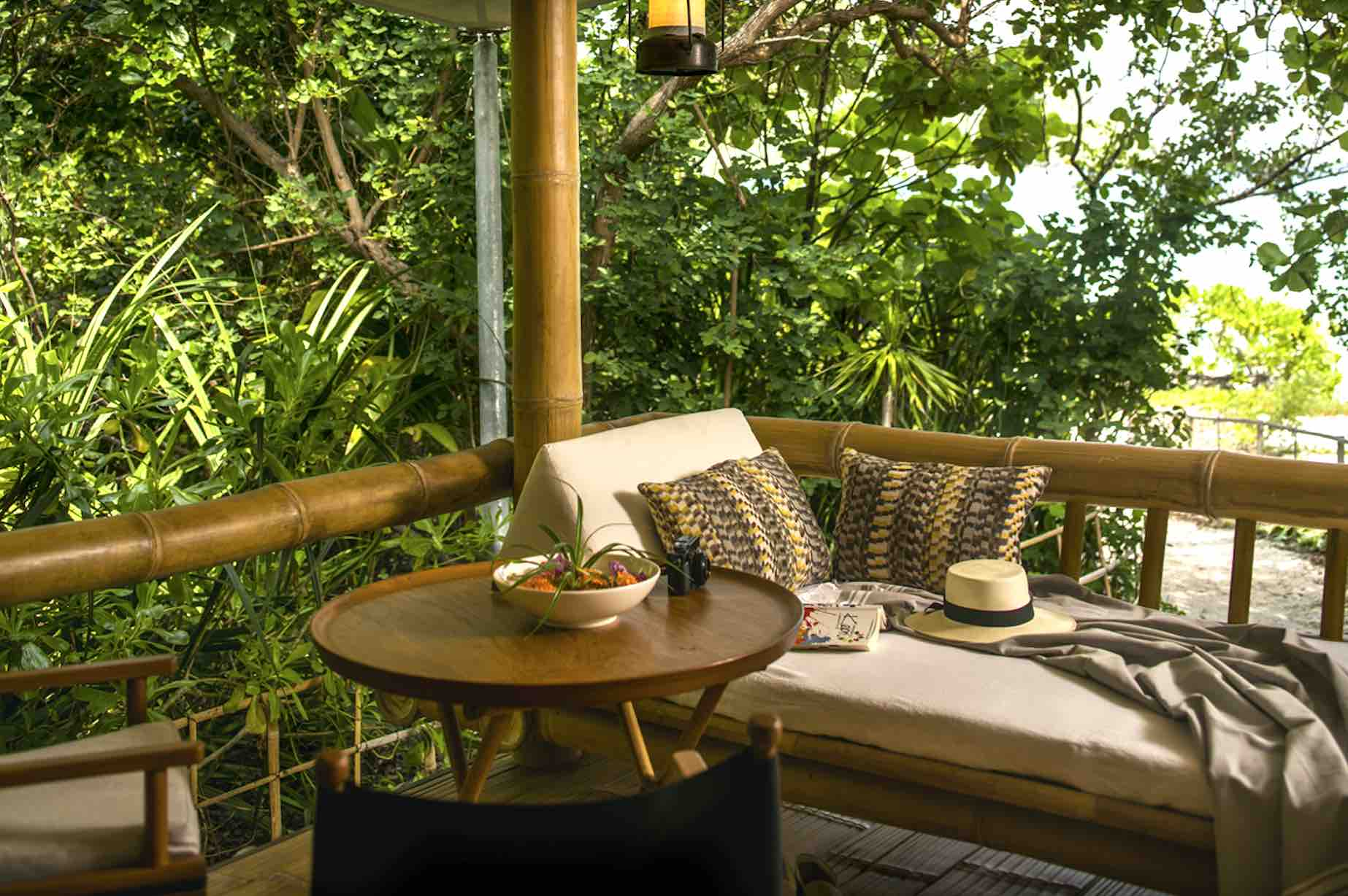 bawah-private-island-indonesia-balcony-aspirantsg