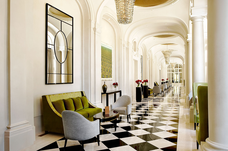 Trianon Palace, Paris Hallway - AspirantSG