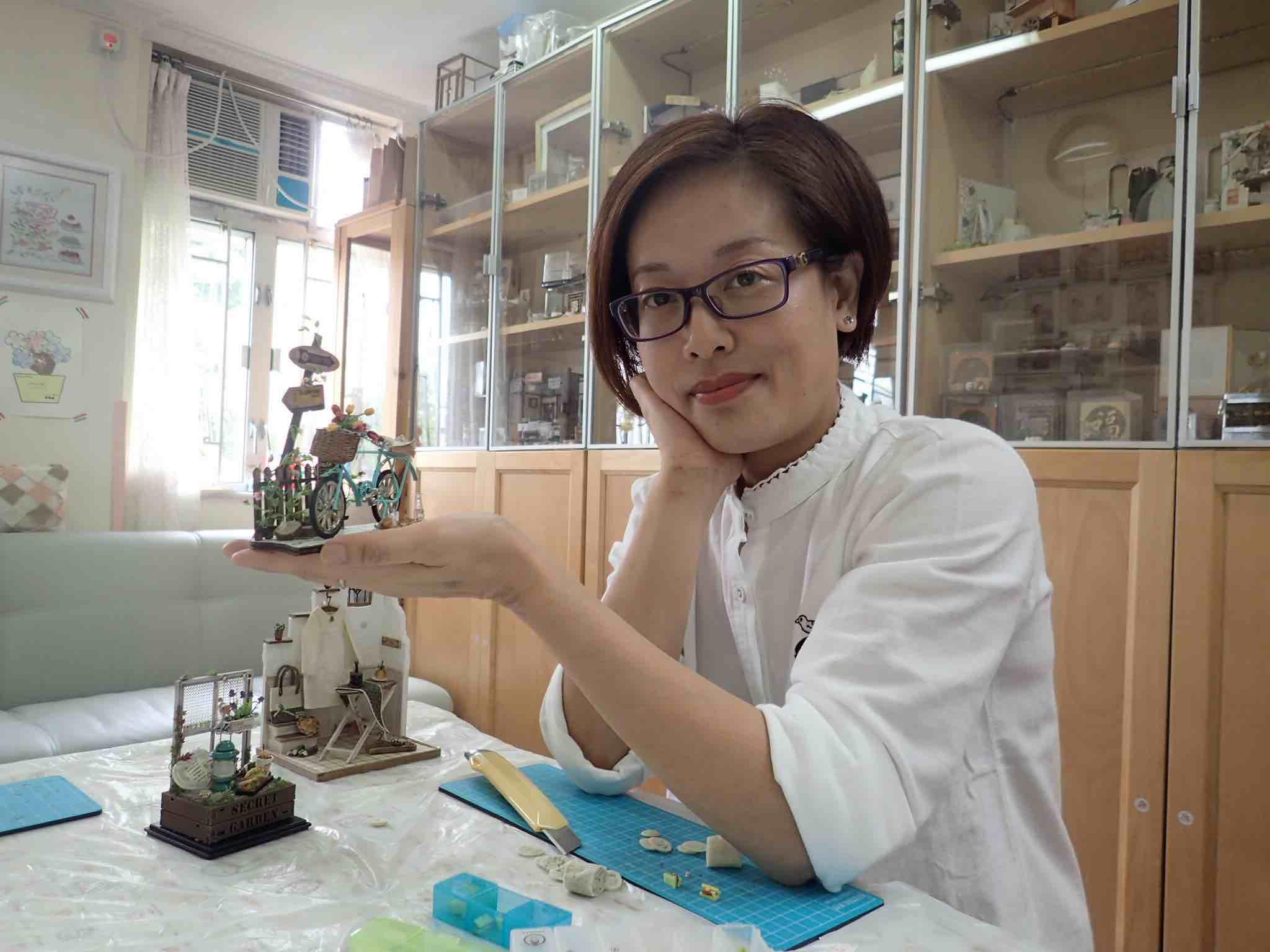 Hong Kong Figurine Artist Maggie - AspirantSG