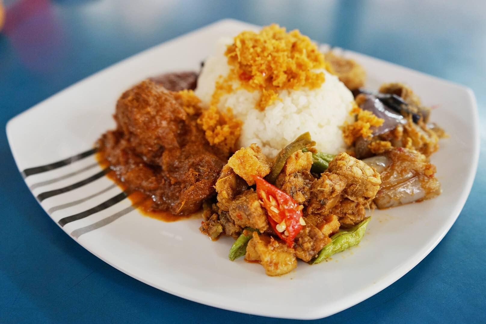 Anisah Kitchen Nasi Ambeng - AspirantSG