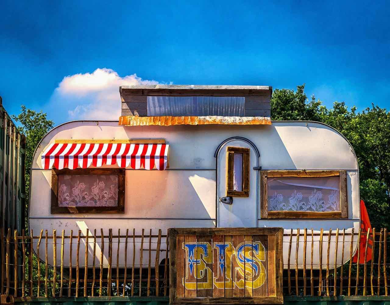 Mobile Homes Travellers (PixaBay Free) - AspirantSG