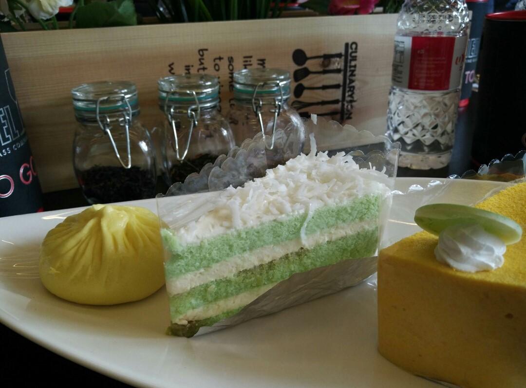 2-chef-heman-cake
