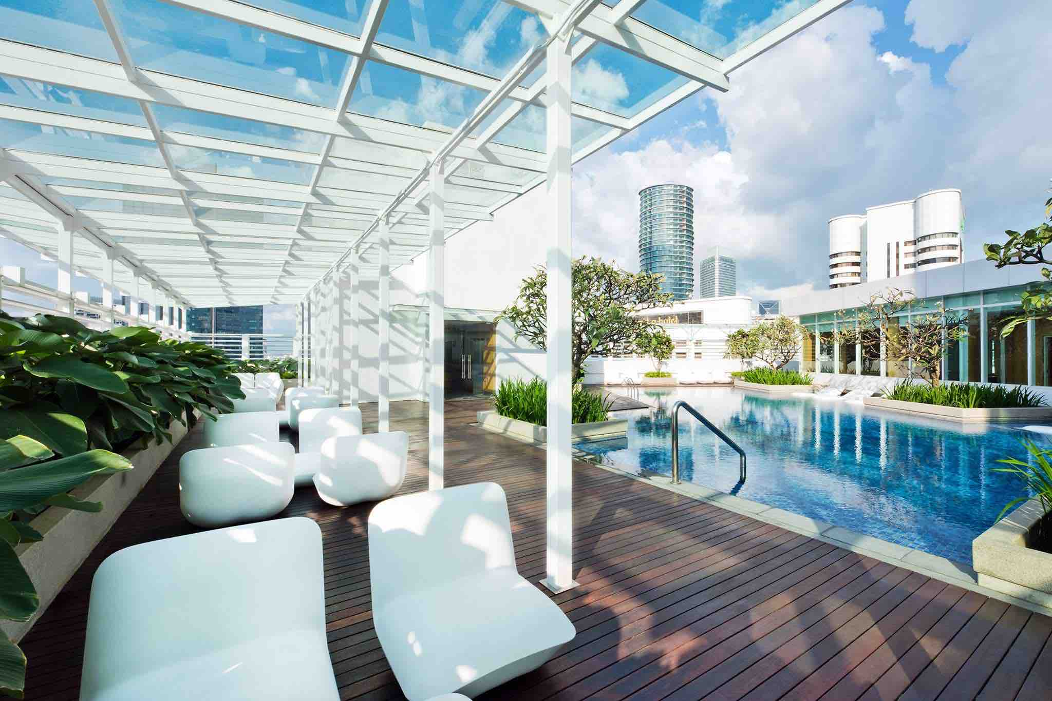 oasia-suite-pool-aspirantsg
