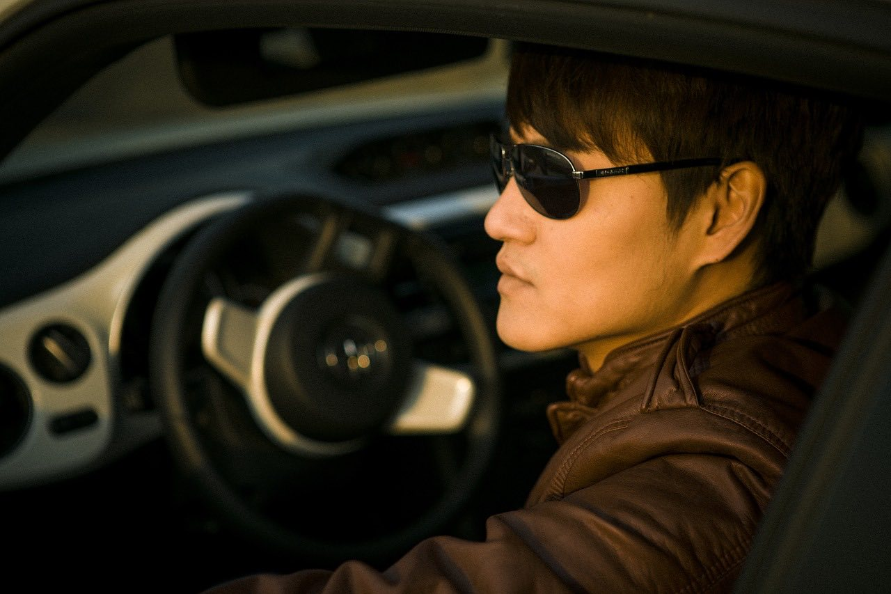 driver-with-glasses-pixabay-free-aspirantsg