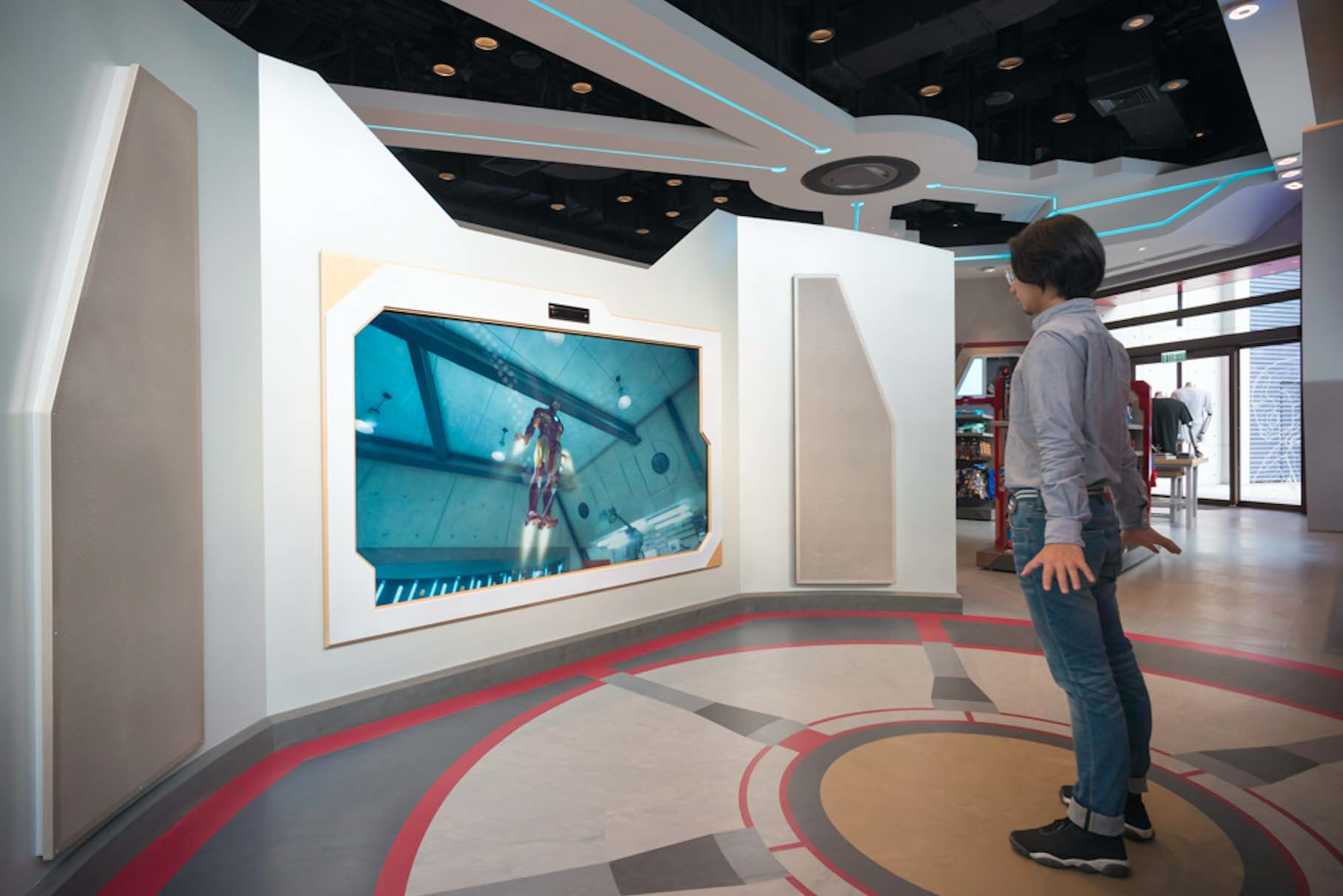 iron-man-simulator-at-hong-kong-disneyland-aspirantsg