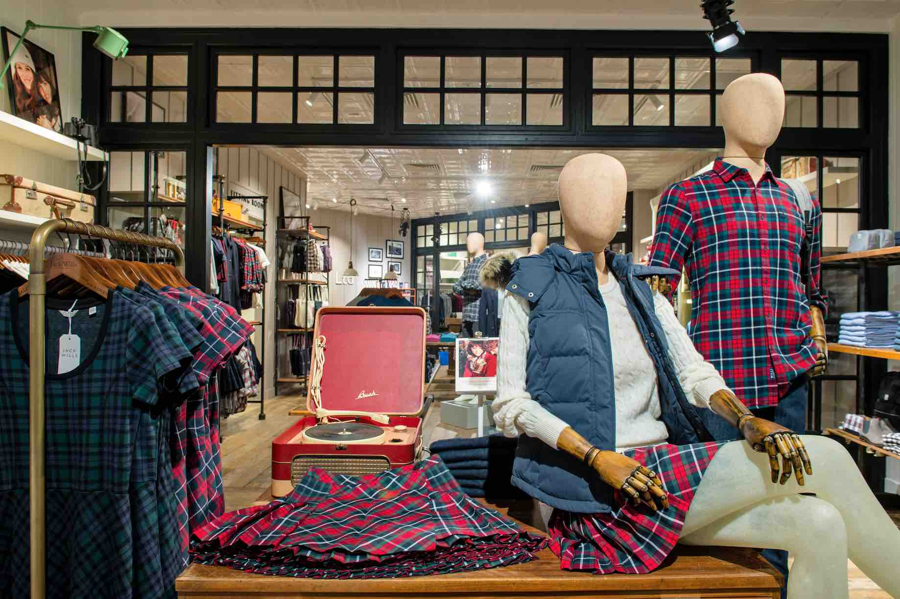 jack-wills-2nd-outlet-interior-aspirantsg