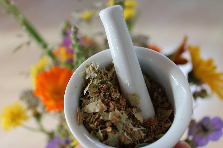 natural-herbal-remedies-pixabay-free-aspirantsg