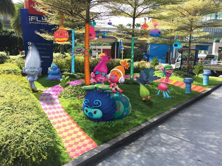 sentosa-trolls-festive-celebrations-aspirantsg