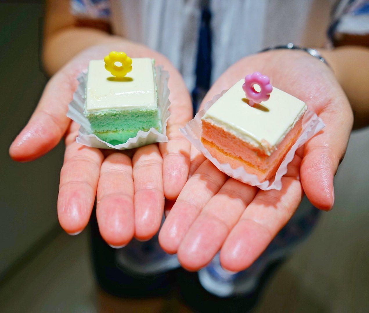 sweetest-moments-party-set-cakes-aspirantsg