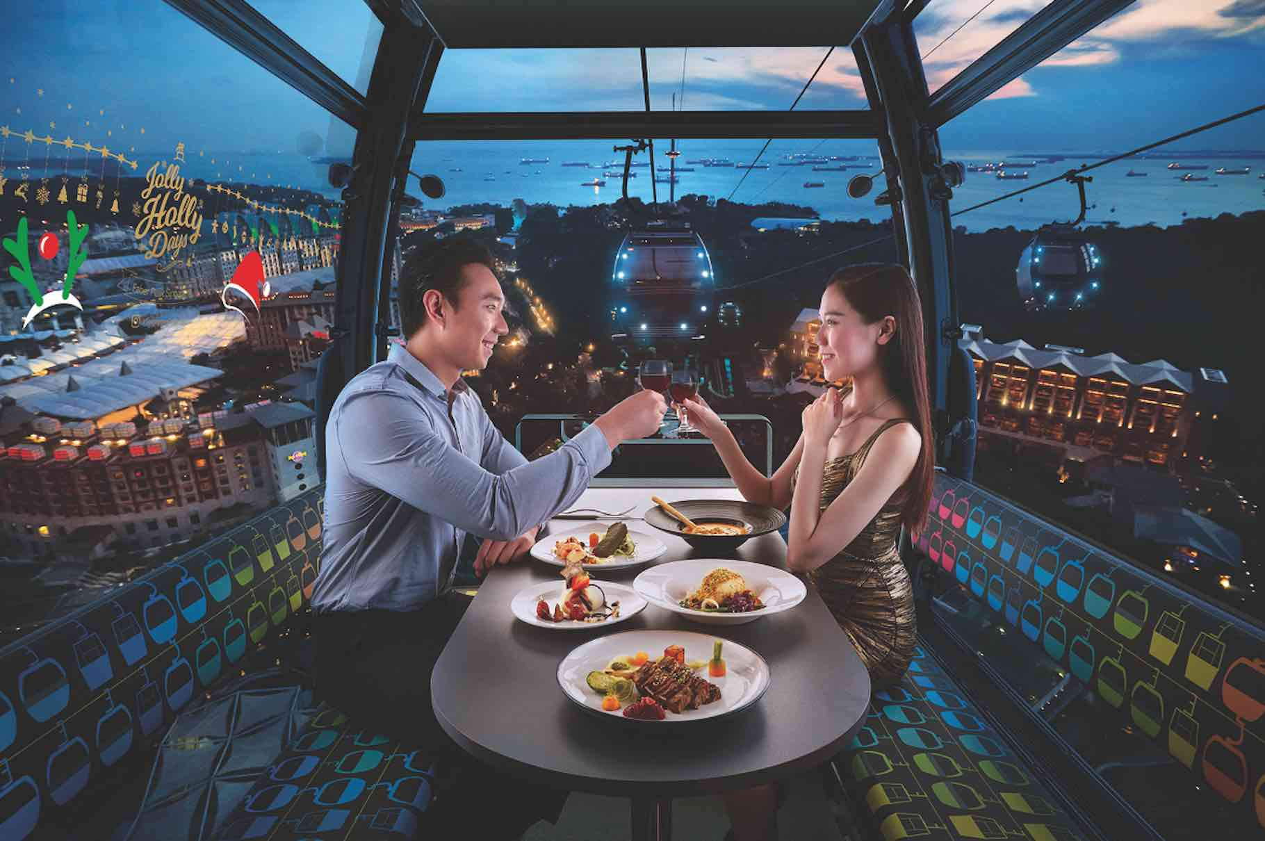 in-cable-car-dining-on-mount-faber-aspirantsg