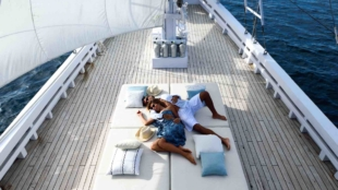 Indo Yachts Alexa – Woo With Her Most Luxurious Valentine's Day Ever