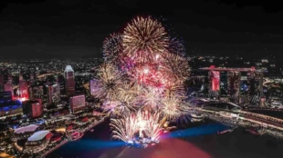 Best Singapore Hotels & Rooftop Bars To Watch NDP Fireworks