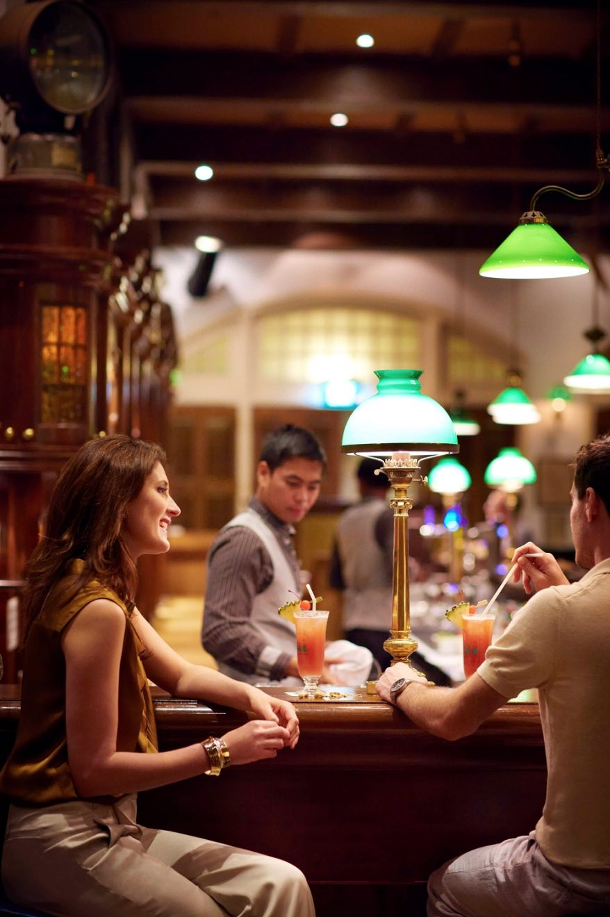 Raffles Singapore Long Bar Opens For Singapore Sling After Restorations Aspirantsg Food Travel Lifestyle Social Media