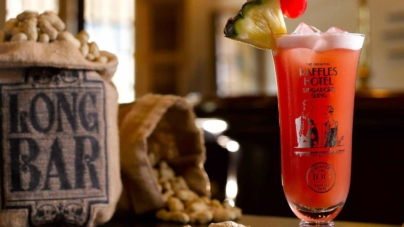 Raffles Singapore Long Bar Opens For Singapore Sling After Restorations