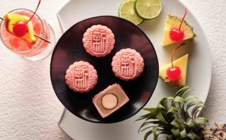 Xin Cuisine Mooncakes 2019 – Singapore Sling Flavour In Creative Boxes