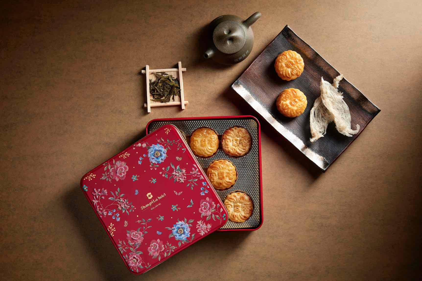 Shangri-La Mooncake 2020 – Limited Edition Collaboration With Local Artist
